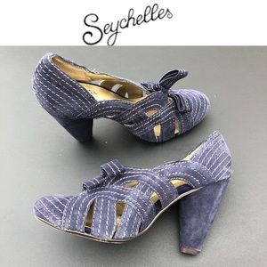 Seychelles blue suede heels with front bow 7.5